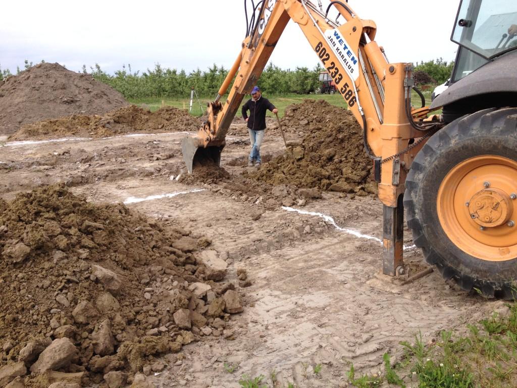 kopanie fundamentów, budowa domu systemem gospodarczym