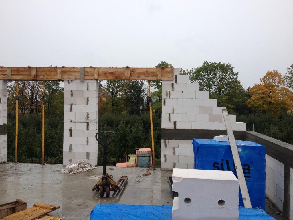 budowa murów poddasza