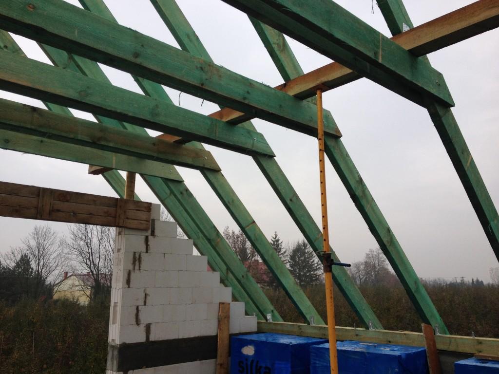 więźba dachowa - budowa domu systemem gospodarczym
