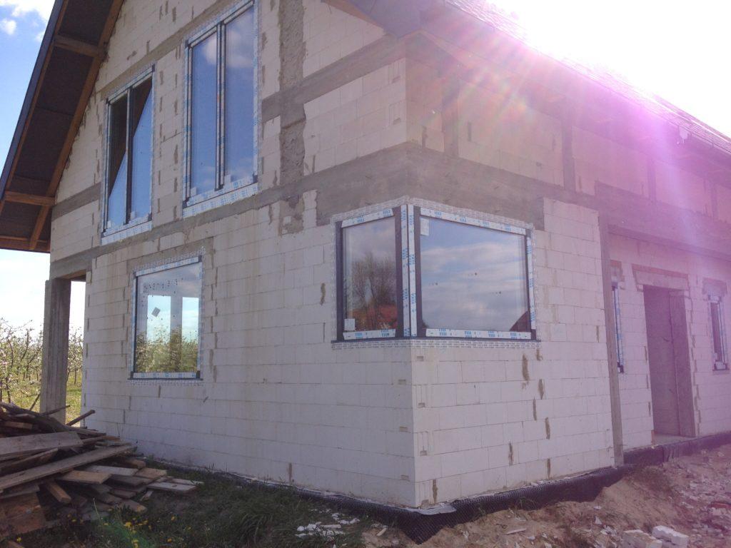 Okna trzyszybowe profil Veka 82 mm firmy Vetrex kolor Antracyt